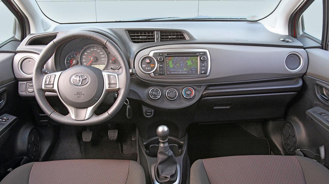 Toyota Yaris, Cockpit, Lenkrad