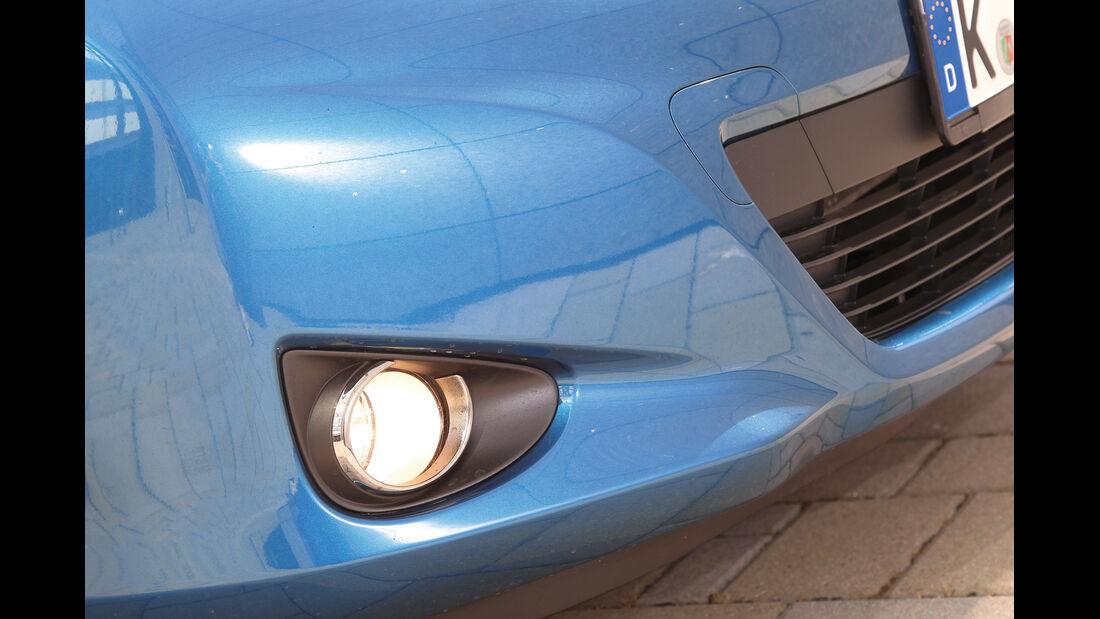 Toyota Yaris, Frontscheinwerfer