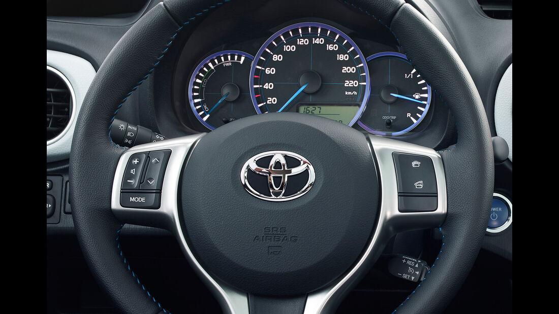 Toyota Yaris Hybrid, Lenkrad