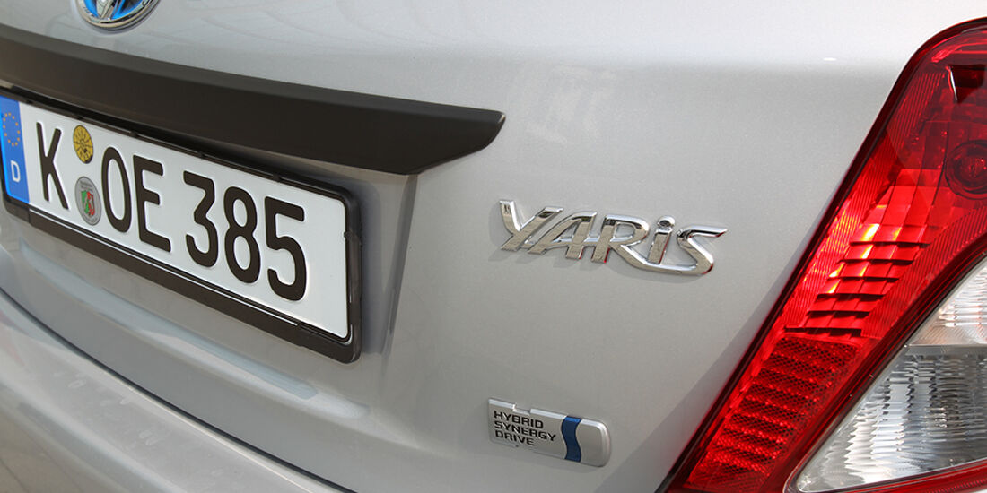 Toyota Yaris Hybrid, Schriftzug Heck