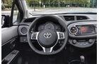 Toyota Yaris, Innenraum, Cockpit, Lenkrad