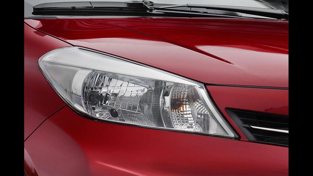 Toyota Yaris, Scheinwerfer