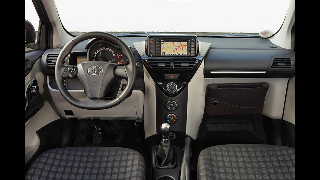 Toyota iQ Armaturenbrett