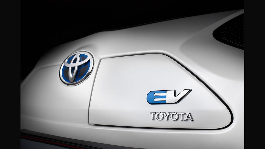 Toyota iQ EV, Emblem, Typenbezeichnung