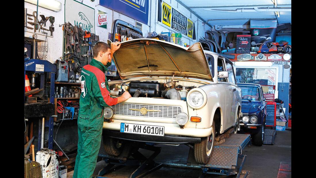 Trabant 601, Frontansicht, Hebebühne