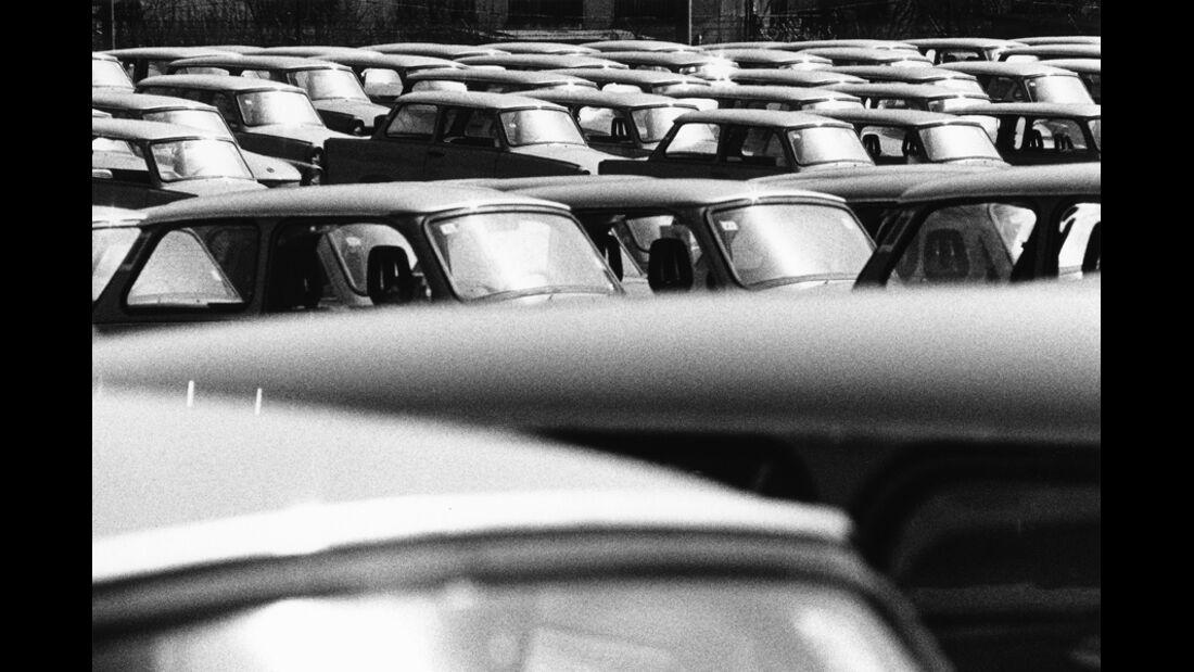 Trabant, Parkplatz, vor Auslieferung, mehrere Fahrzeuge