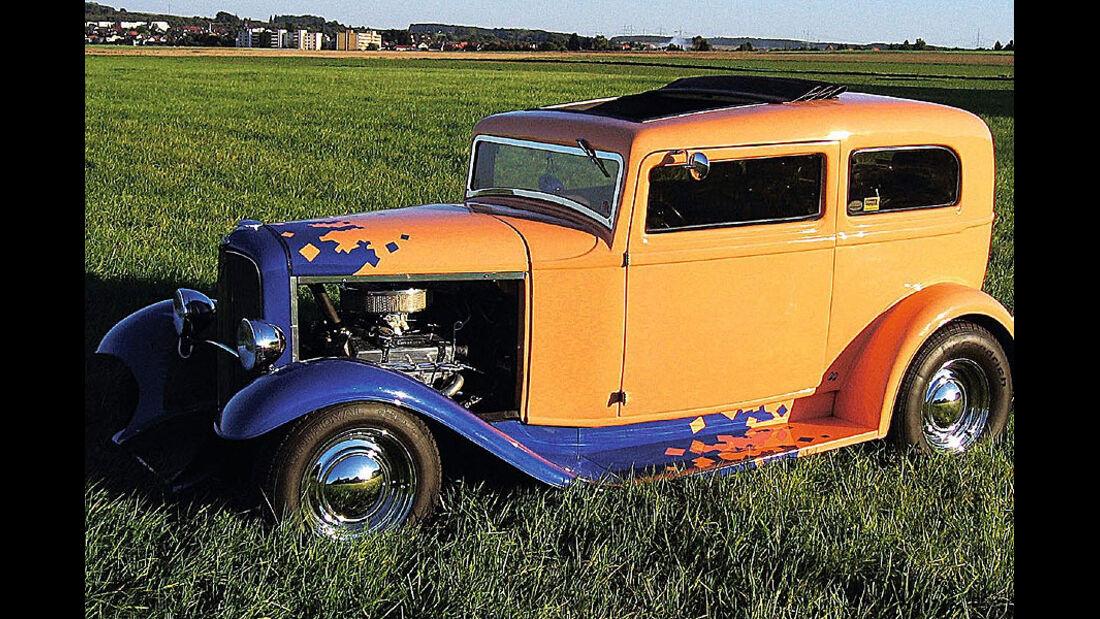 Tudor Sedan
