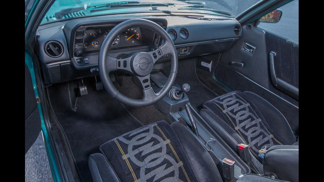 Tuning-Szene, Ruhrpott, Opel Manta B, Cockpit