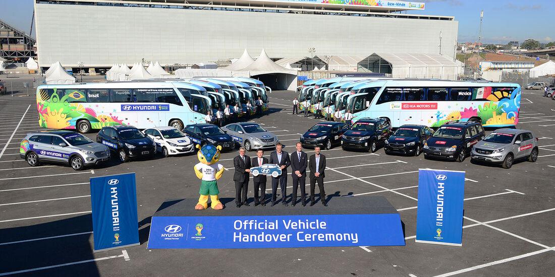 Übergabe WM Flotte Fußball 2014 Kia Hyundai