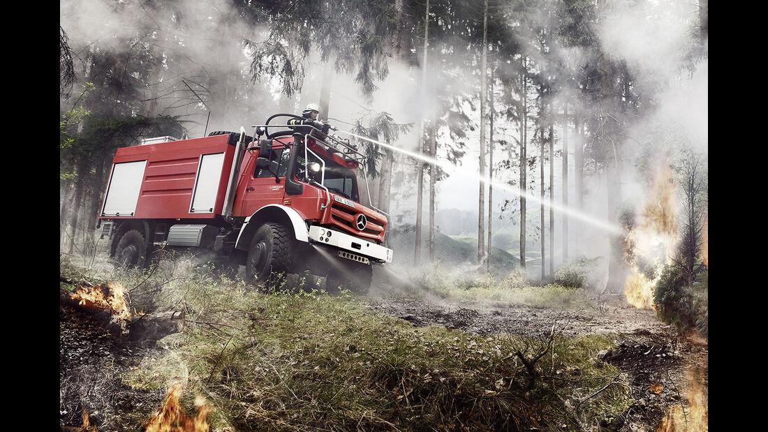 Unimog hochgeländegängig Euro VI, Feuerwehr, Feuerwehreinsatz