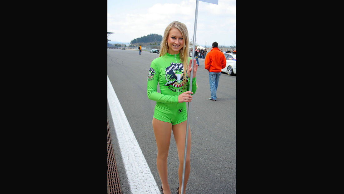 VLN 2.Lauf Langstreckenmeisterschaft Nürburgring 10-04-2010  Grid-Girls