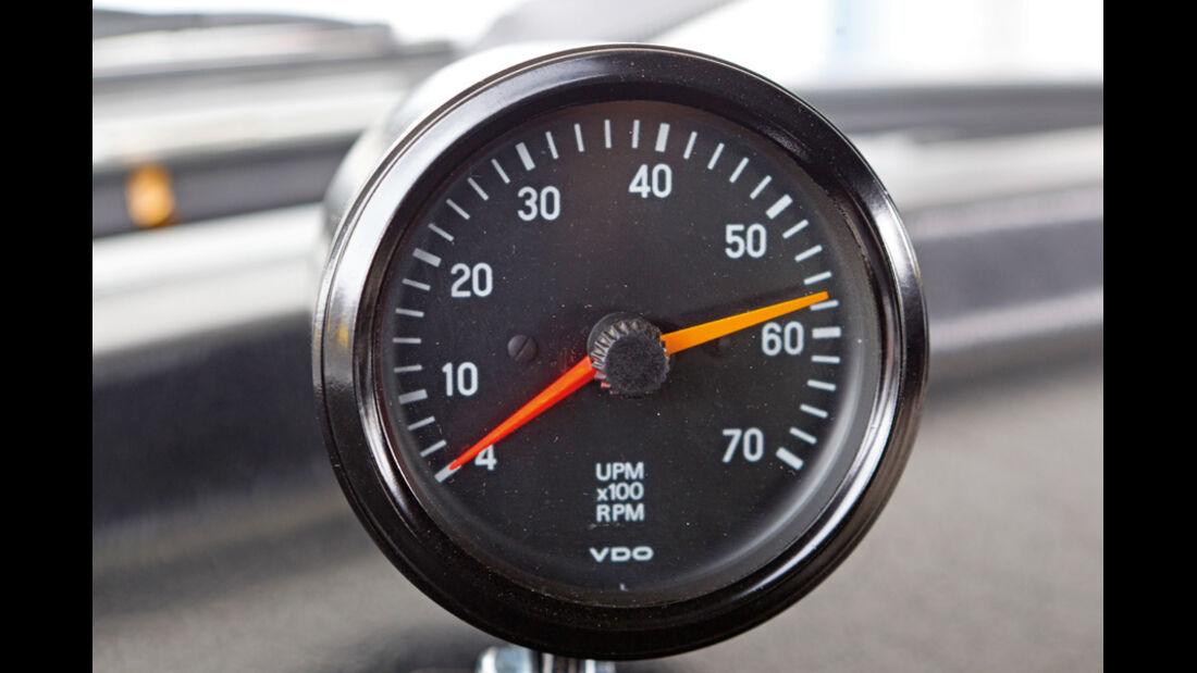 VW 1303 Rallye, Detail, Drehzahlbegrenzer
