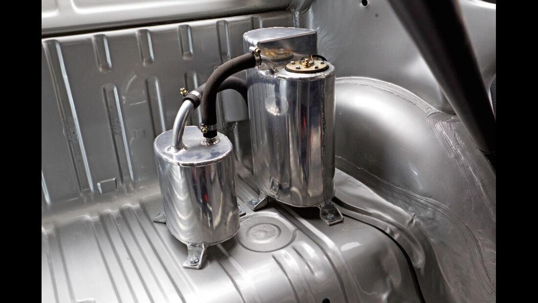 VW 1303 Rallye, Tank, Trockensumpfschmierung