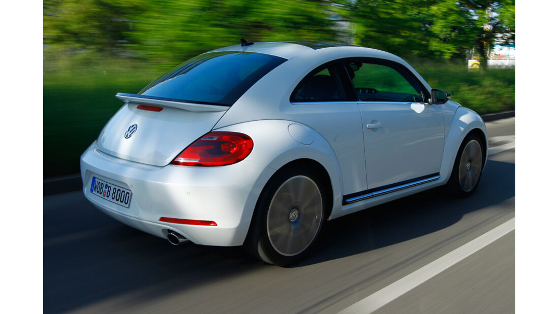 VW Beetle 2.0 TSI DSG, Rückansicht, Überlandfahrt