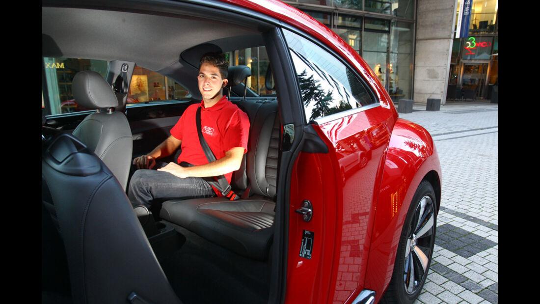 VW Beetle 2.0 TSI, Rücksitz