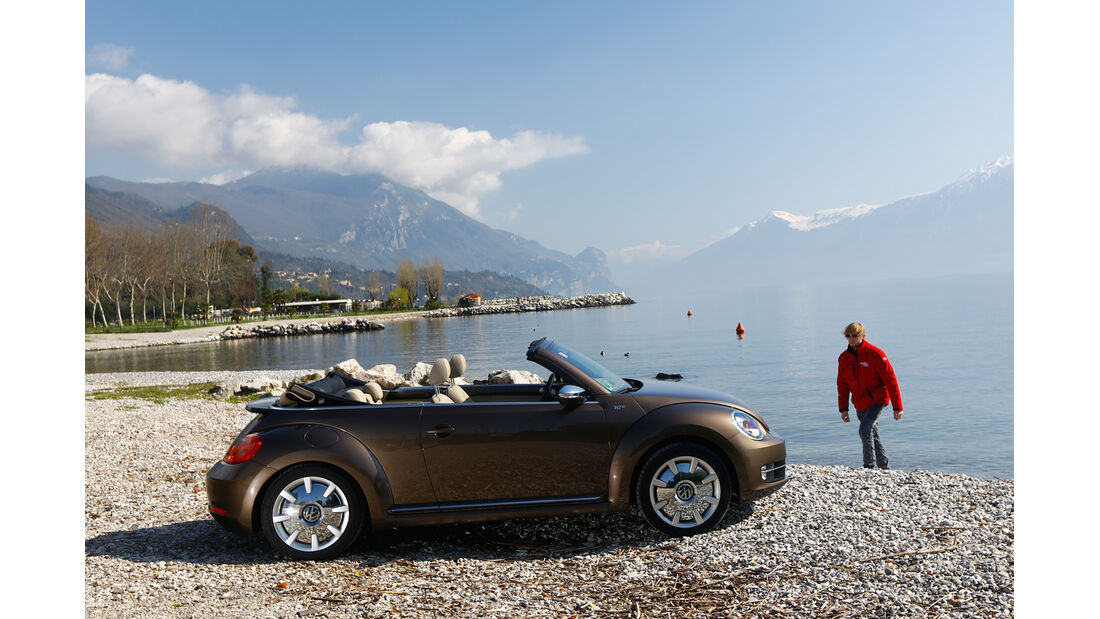 VW Beetle Cabrio 2.0 TDI, Seitenansicht, See