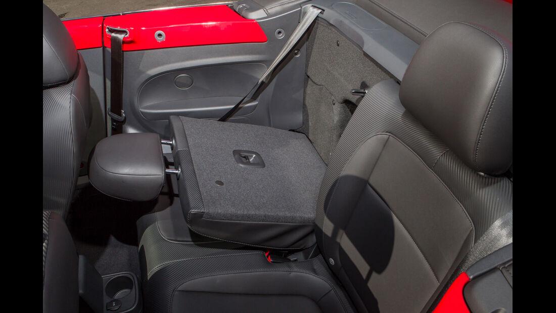 VW Beetle Cabriolet, Rücksitz, umklappen