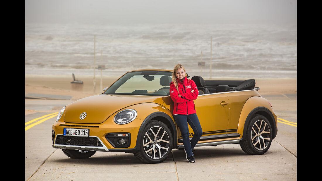VW Beetle Dune Cabrio Foto mit Autorin