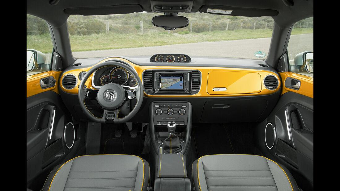 VW Beetle Dune Cabrio Innenraum vorne ohne Fahrer