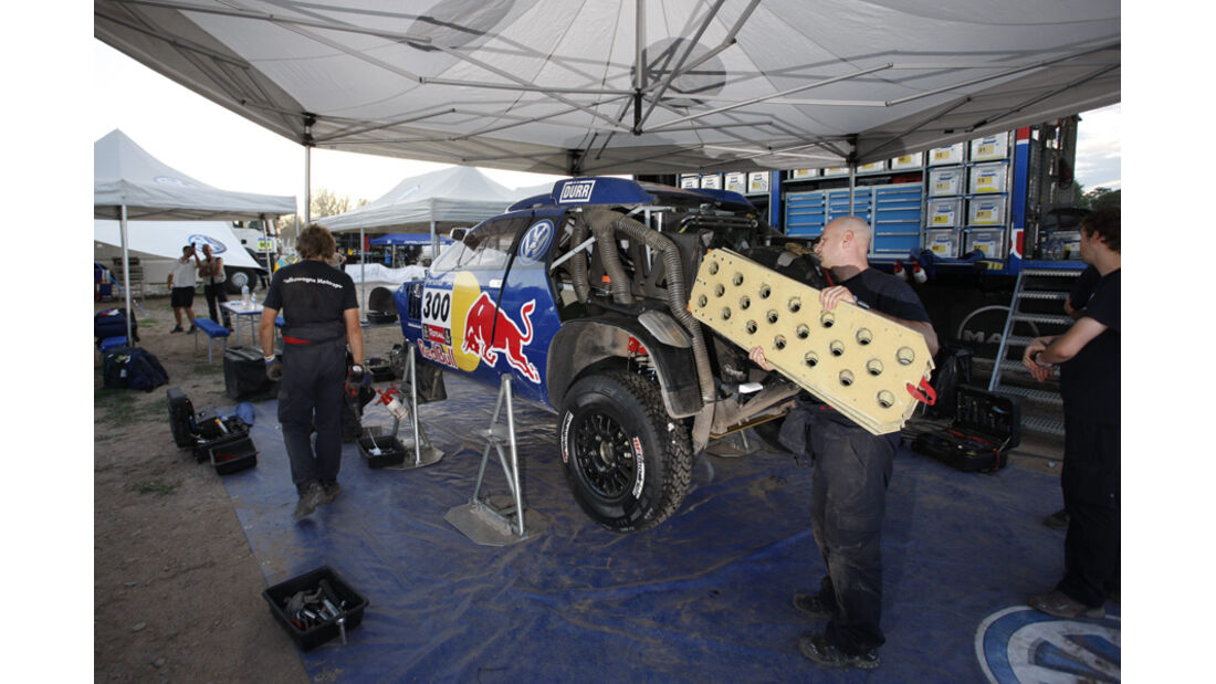 VW Biwak Rallye Dakar 2011