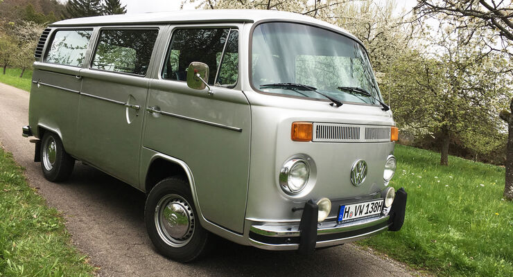 VW Bulli Bus T2 b 1979 Silberfisch