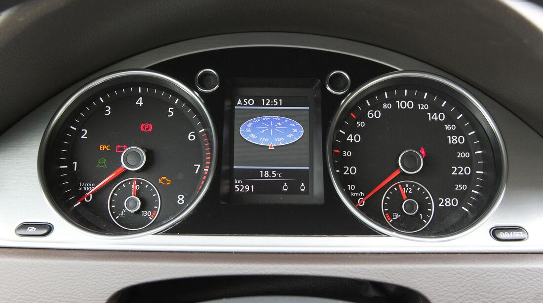 VW CC 1.8 TSI, Rundinstrumente, Tacho