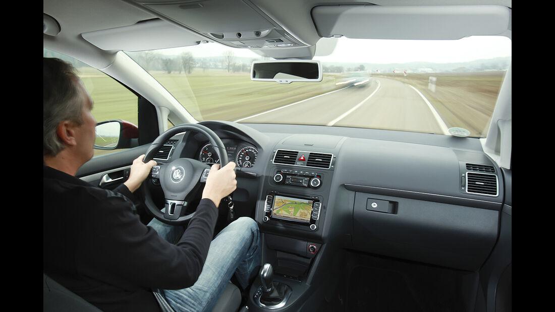 VW Cross Touran, Innenraum, Cockpit