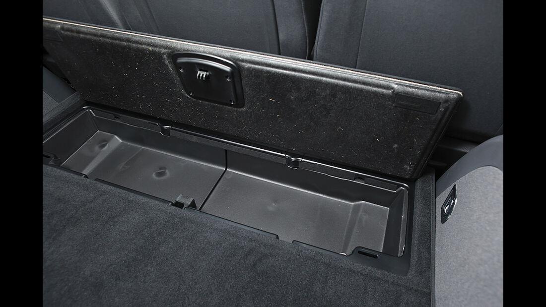 VW Cross Touran, Kofferraum, Staufach