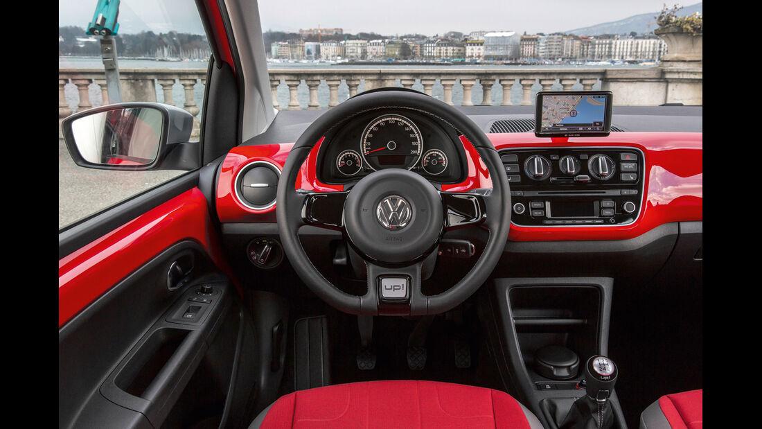 VW Cross Up 1.0, Cockpit, Lenkrad
