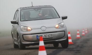 VW E-Up, Frontansicht, Slalom