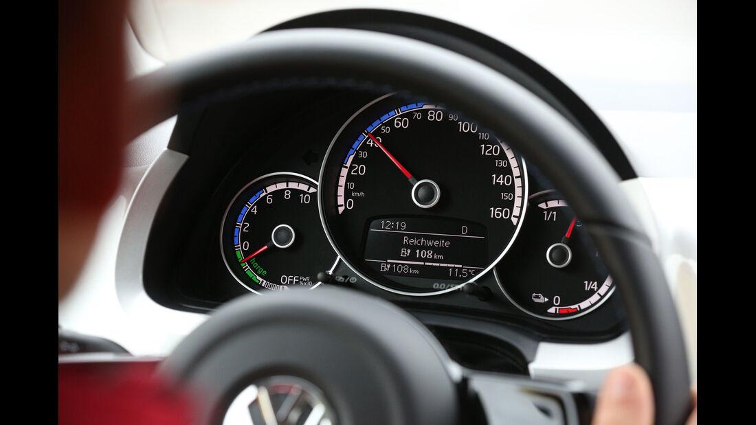 VW E-Up, Rundinstrumente