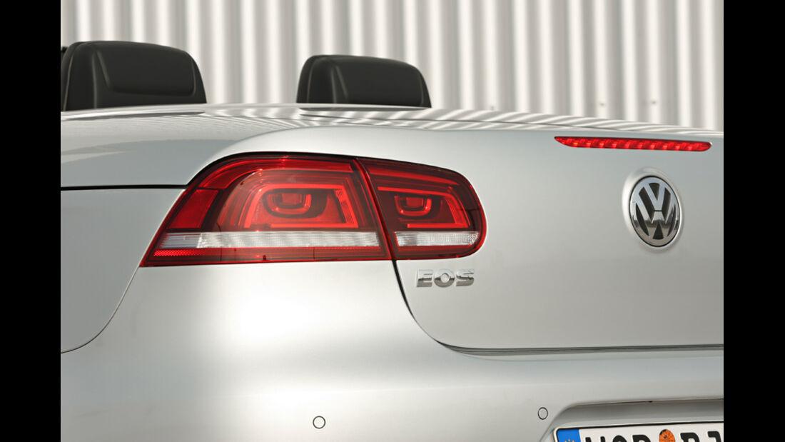 VW EOS 1.4 TSI, Heck, Detail, Emblem, Rücklichter