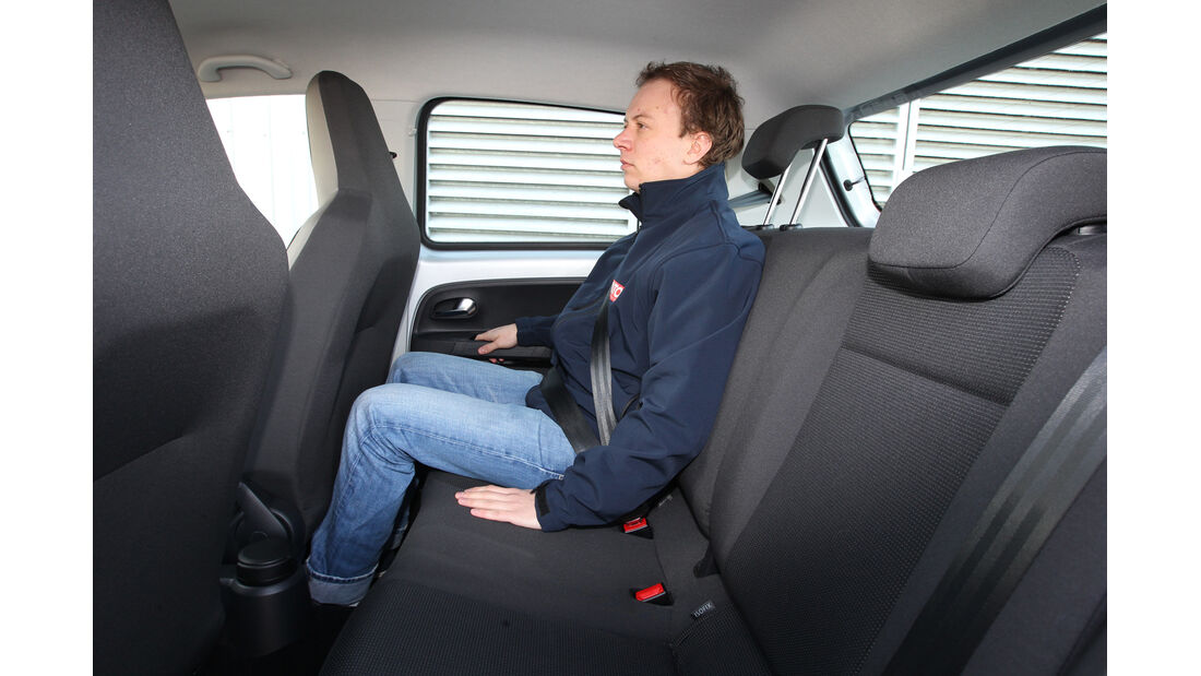 VW Eco Up, Rücksitz, Beinfreiheit