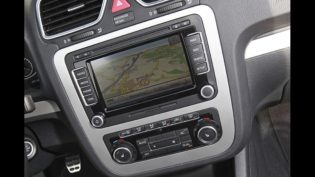 VW Eos 2.0 TDI Blue Motion Technology, Cabrio, Cockpit, Navi
