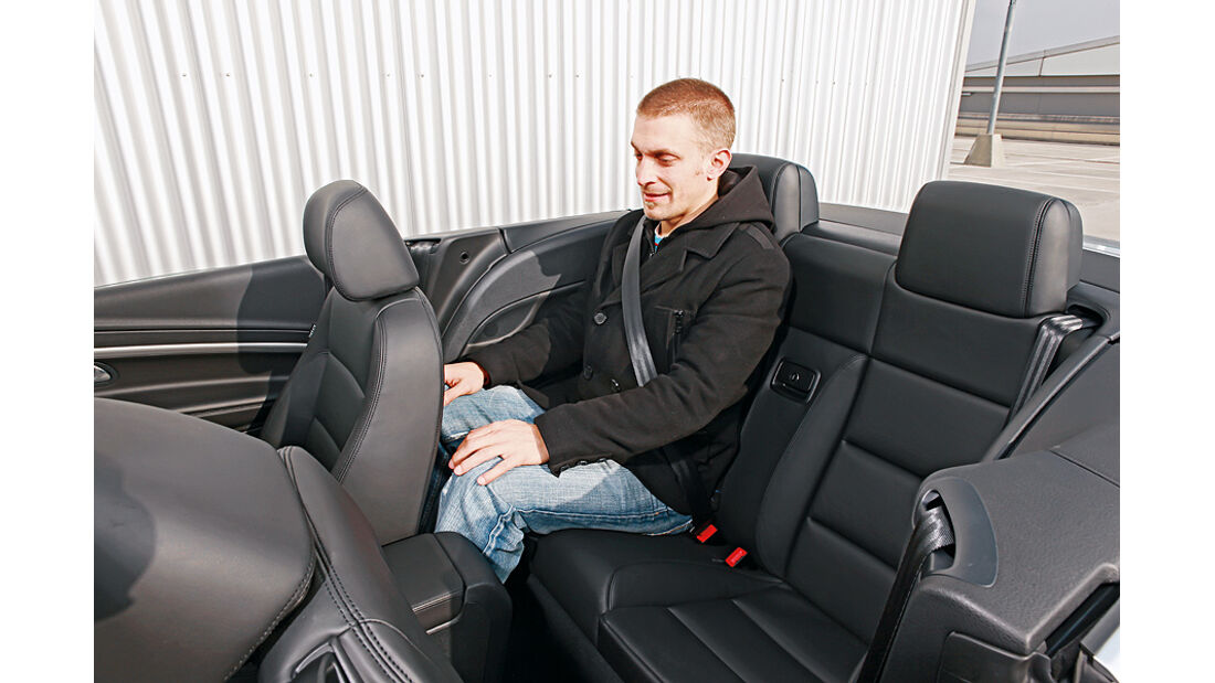 VW Eos 2.0 TDI Blue Motion Technology, Cabrio, Innenraum, Sitze, Beinfreiheit
