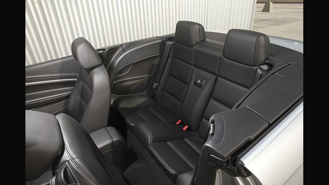 VW Eos 2.0 TDI Blue Motion Technology, Cabrio, Innenraum, Sitze