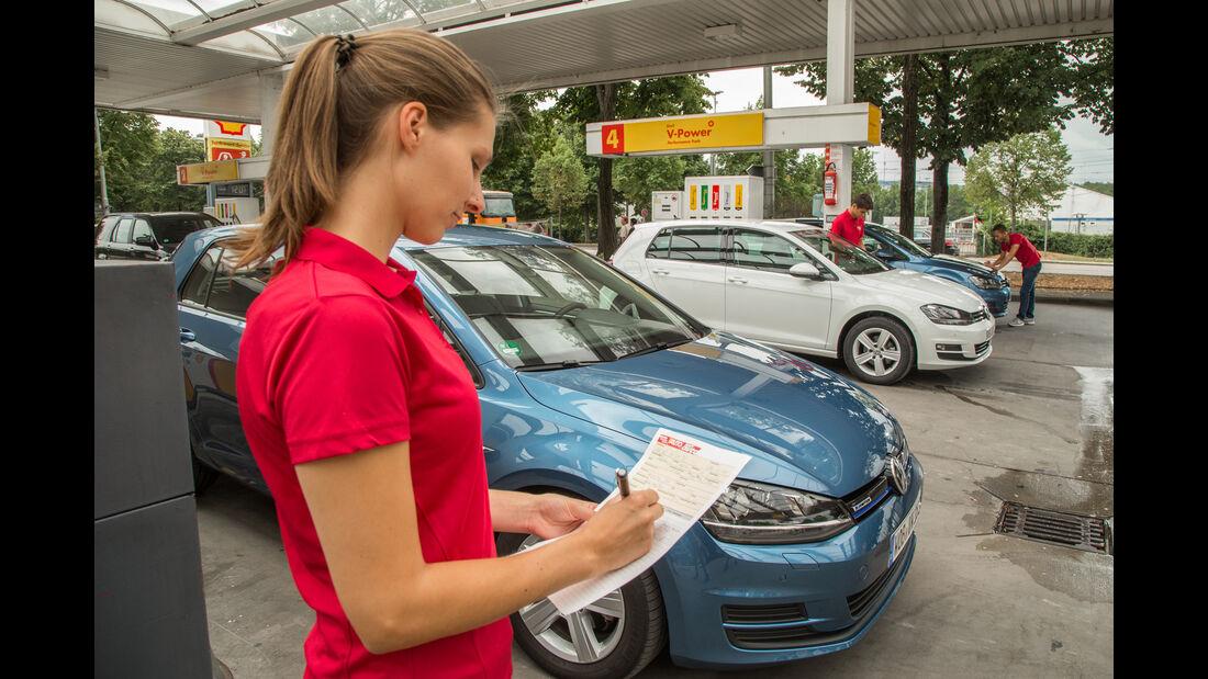 VW Golf 1.0 TSI Bluemotion, 1.2 TSI, 1.6 TDI, Tankstelle