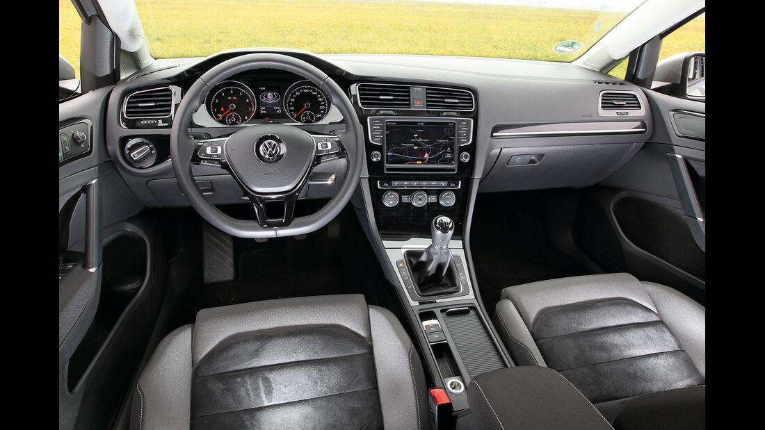 VW Golf 1.4 TSI, Lenkrad, Cockpit