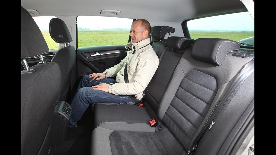 VW Golf 1.4 TSI, Rücksitz, Beinfreiheit