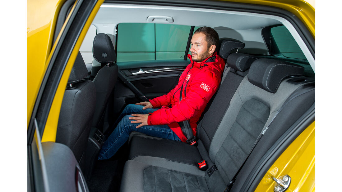 VW Golf 1.5 TSI, Fondsitze