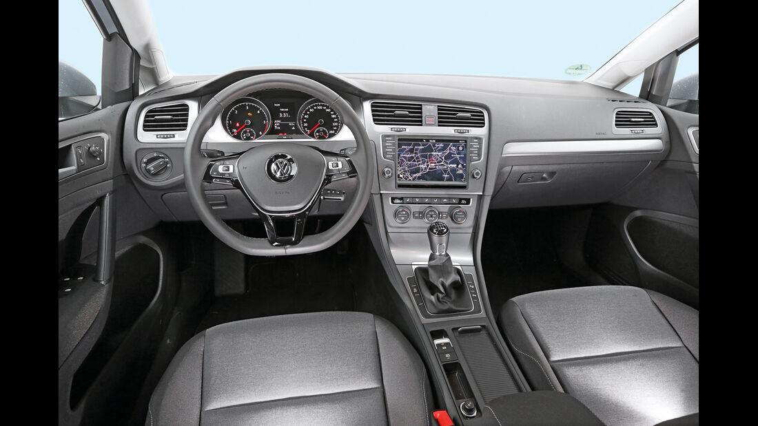 VW Golf 1.6 TDI BlueMotion, Cockpit, Lenkrad