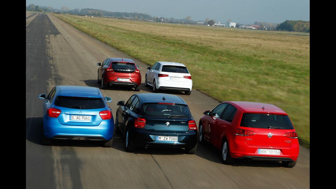 VW Golf 2.0 TDI, Audi A3 2.0 TDI, Mercedes A 200 CDI, BMW 118d Sport Line, Volvo V40 D3, Heckansicht