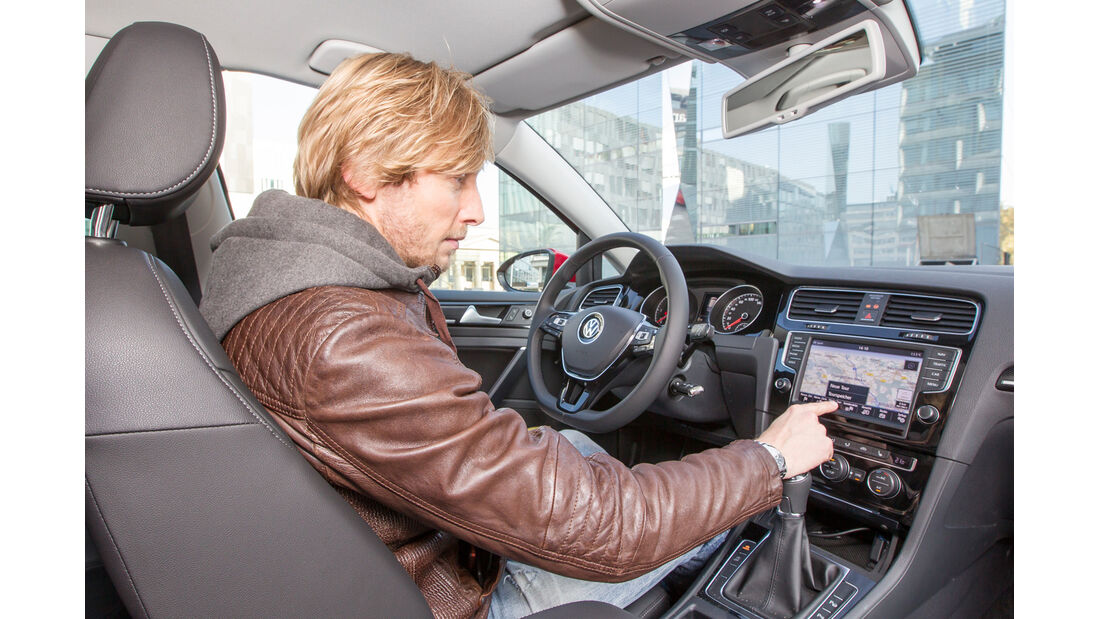 VW Golf 2.0 TDI, Cockpit, Lenkrad, Marcus Peters