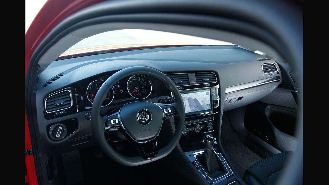 VW Golf 2.0 TDI, Cockpit, Lenkrad