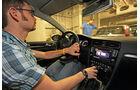 VW Golf 2.0 TDI Highline, Cockpit, Lenkrad