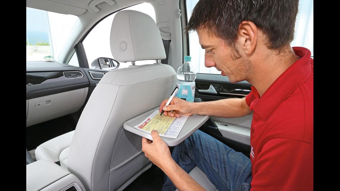 VW Golf 2.0 TDI Sportsvan, Klapptisch