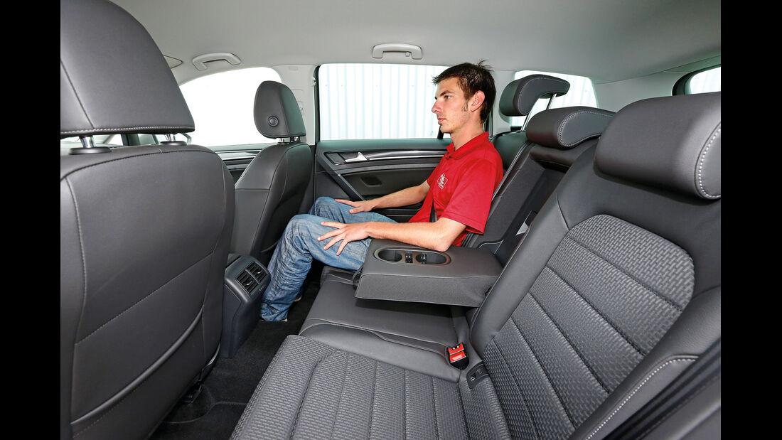 VW Golf 2.0 TDI Variant, Fond, Aussteigen