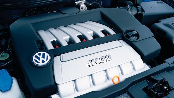 VW Golf 4 R32, Motor