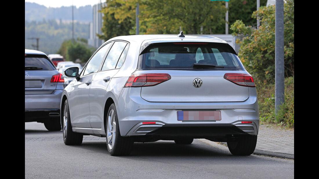 VW Golf 8 Erlkönig GTE