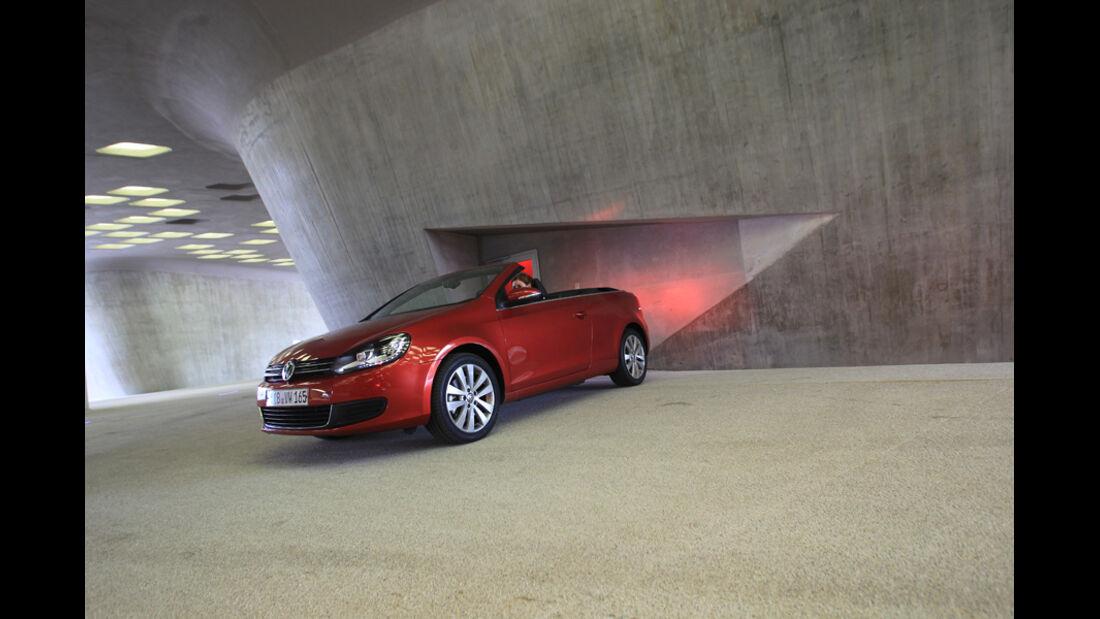 VW Golf Cabrio 1.4 TSI, Seitenansicht, Halle, Rücklichter